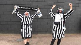 Newcastle ruega a sus seguidores que paren con lo de vestirse como árabes